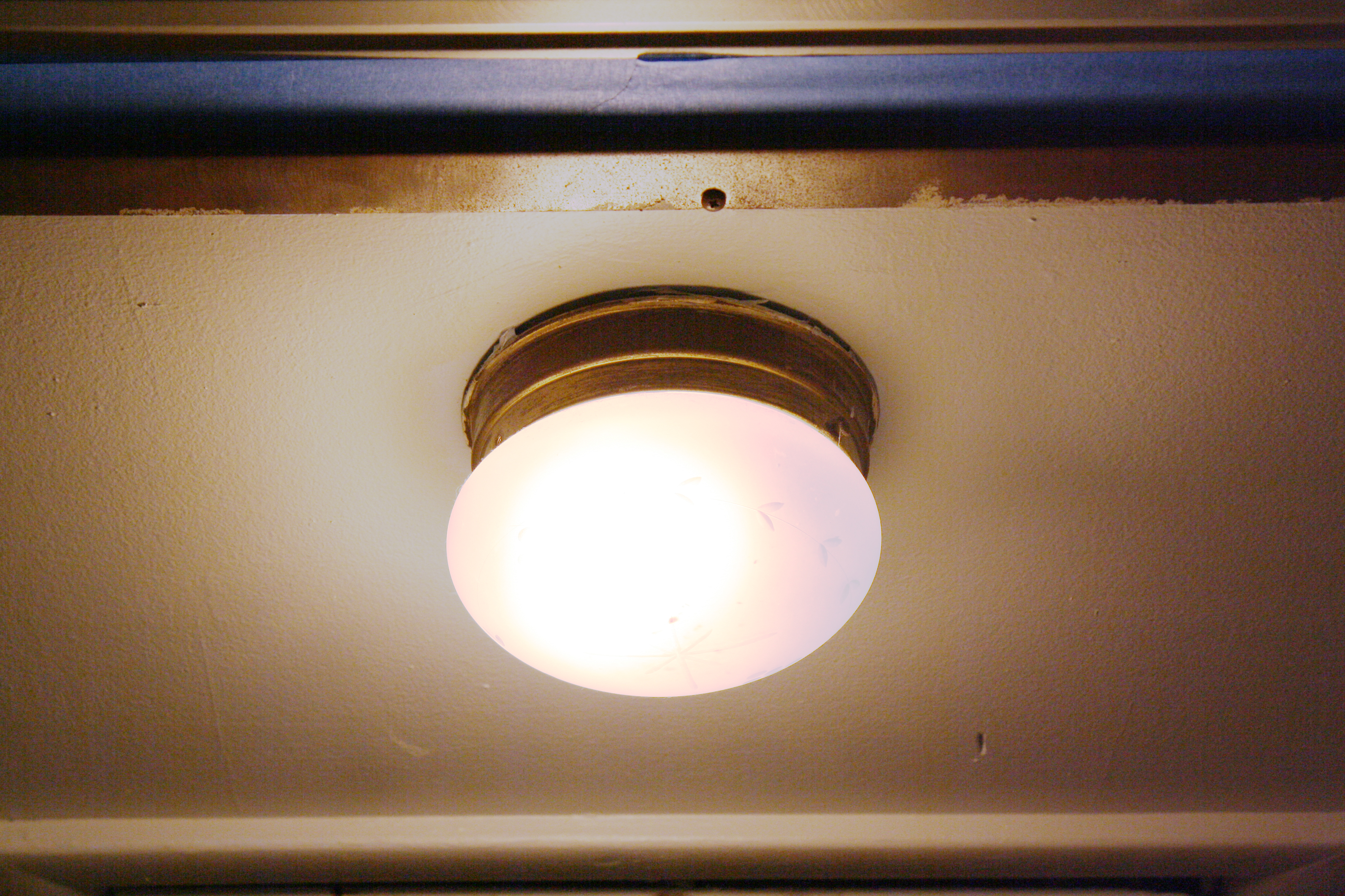 how to replace a light fixture rosemary on the tv