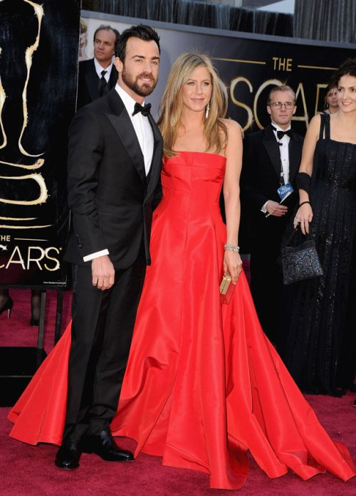60d5b0a7-0786-4b39-bb7e-941b170eaf09_jennifer-aniston-oscars-2013-red-dress