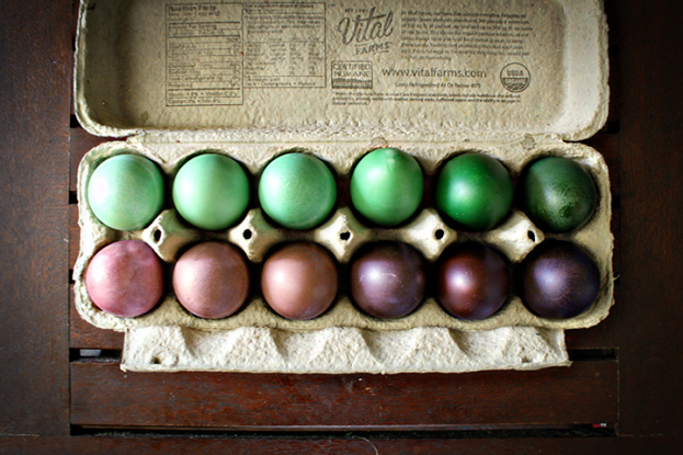 Marbleized, Ombre, and Dark-dyed Easter Eggs | Rosemary on the TV #holiday #DIY