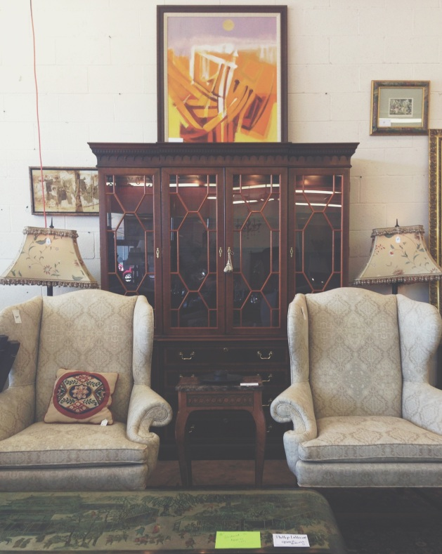 Antique Hunting in Little Rock | Rosemary on the TV #arkansas #vintage